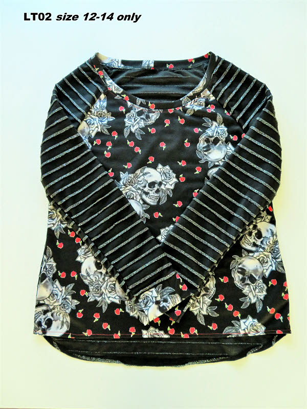 LT02 Ladies top size 12-14 only